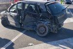 """Crotone, incidente sulla Ss """"106"""": una persona ferita estratta dalle lamiere"""