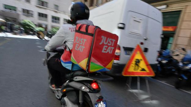 just eat, rider, Sicilia, Economia