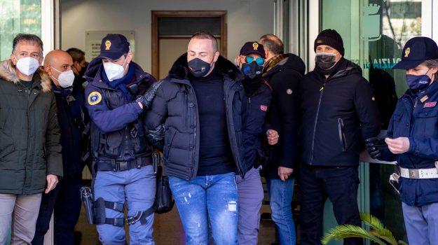 big unica, ditta vessata dal clan, Operazione Kossa Cassano, Cosenza, Cronaca