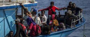 Migranti: 415 approdati a Lampedusa su due barconi