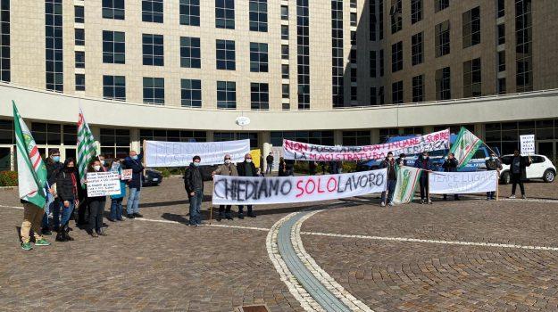 protesta lavoratori, terme luigiane, Cosenza, Cronaca