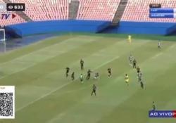 Brasile, segna dalla propria metà campo Un gol di incredibile bellezza e spavalderia: è quello segnato da Emerson Bacas, calciatore del Fast Clube, squadra del campionato brasiliano - Dalla Rete
