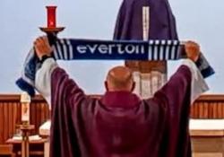 Everton, il prete celebra in chiesa la vittoria contro il Liverpool La rivalità tra Everton e Liverpool non conosce limiti nella città inglese, e arriva in tutti gli ambiti - Dalla Rete