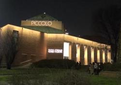 Facciamo luce sui teatri, anche Milano si illumina: «Non siamo più fantasmi» L'iniziativa lanciata dall'associazione «Unita» - Ansa