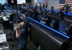 Il momento dell'atterraggio del rover Perseverance su Marte e l'entusiasmo alla Nasa Le prime immagini del rover della NASA alla ricerca di tracce di vita sul Pianeta Rosso - Ansa