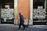 Confcommercio: dal 2012 spariti 77mila negozi, città desertificate
