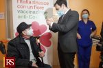 Vicine... ma lontane sui numeri dei vaccini. Sicilia 1° per dosi somministrate. Calabria ultima