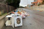 """Reggio invasa dai rifiuti, la Prefettura: """"Sì all'esercito, ma discarica problema principale"""""""
