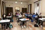Scuola in Sicilia: a settembre si torna in classe con le mascherine