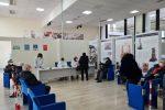 Ilpolo vaccinale allestito nella sala Monteleone al Consiglio regionale è il più grande della Calabria