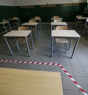 """Cosenza, Occhiuto chiude le scuole: """"Ospedale al collasso, situazione ingestibile"""""""
