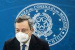 """Draghi in conferenza stampa: """"Scuola riapre fino alla prima media"""""""