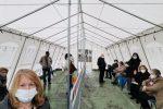 Messina, Hub fiera: ecco le nuove tende anti-pioggia. Al via i vaccini anche ai sacerdoti