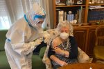 Al via i vaccini a domicilio a Messina: prenotati 11 mila anziani