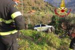 Postina perde il controllo dell'auto e rimane in bilico su una scarpata a Montagnareale