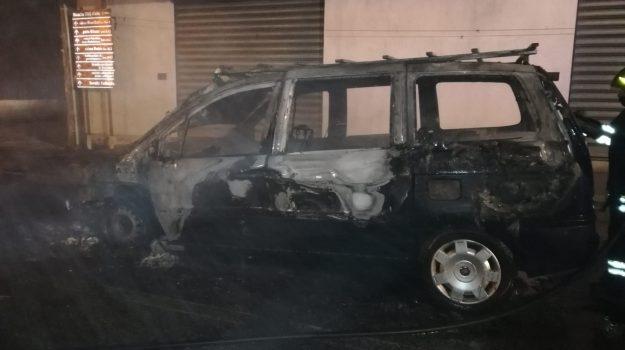 incendio auto, messina, rometta, Messina, Cronaca
