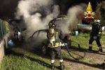 Milazzo, due auto in fiamme: i vigili del fuoco scongiurano il peggio-FOTO