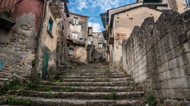 cinquefrondi, progetto case a un euro, Michele Conia, Reggio, Società