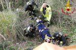 Castanea, cade in un dirupo di 6 metri: lo salvano i vigili del fuoco