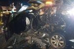 Cinque auto coinvolte in un incidente a Mileto: tre feriti e traffico in tilt
