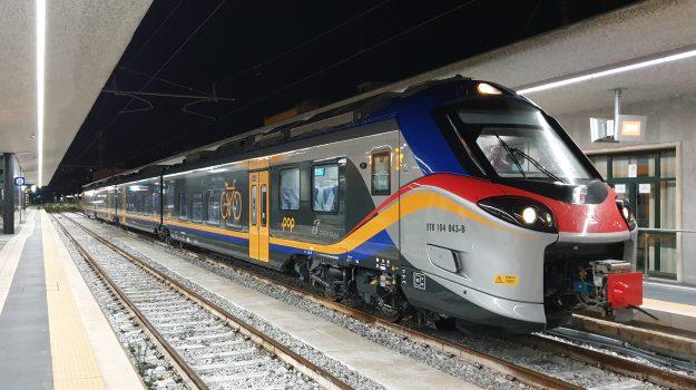 nuovi treni, reggio calabria cosenza, trenitalia, Calabria, Cronaca