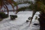 Il mare cancella la spiaggia: a Santa Teresa di Riva si progetta la difesa della costa