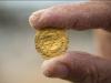 Quattro monete di bronzo ritrovate a Palermo durante gli scavi per la rete fognaria