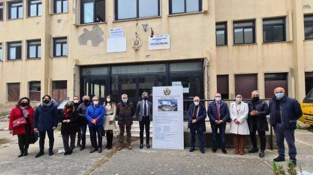 bagnara calabra, lavori demolizione ricostruzione, liceo fermi, Giuseppe Falcomatà, Gregorio Frosina, Reggio, Cronaca
