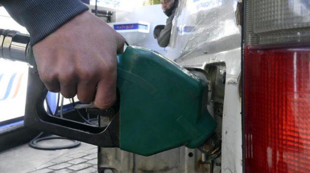 aumento prezzi, benzina, Sicilia, Economia