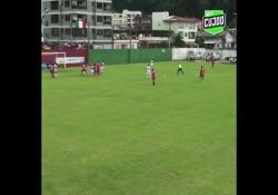 Brasile, segna la punizione dall'angolo impossibile Per fare gol da quella posizione occorre grande tecnica - Dalla Rete