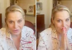 Covid, Simona Ventura: «Sono ancora positiva ma asintomatica, ma mi sento un leone» La conduttrice raccontala sua quarantena con un post su Instagram - Corriere Tv