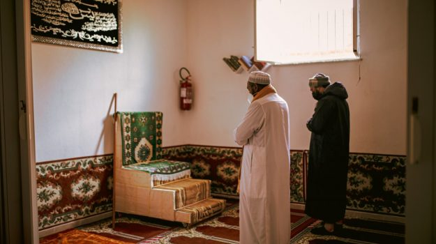 musulmani catanzaro, Antonio Omar Carioti, Khalid Elsheikh, Catanzaro, Società