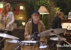 De Gregori con Bollani e Cenni improvvisa sulle note di «Hey Jude» Nel backstage di «Via dei matti numero 0» su Rai3 - Corriere TV