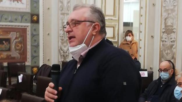 vaccinazioni paola, Ernesto Trotta, Roberto Pititto, Cosenza, Cronaca