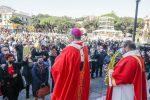 Messina non rinuncia al rito della benedizione delle Palme e degli Ulivi - LE FOTO