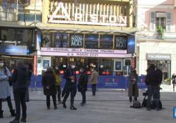 Forze dell'ordine, mascherine e tamponi, l'Ariston si prepara a Sanremo in era Covid-19 Sanremo si prepara per il Festival - AGTW