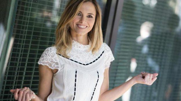 Francesca Fialdini, Sicilia, Televisione