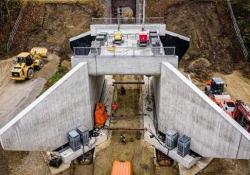 Germania: il vecchio ponte viene demolito e sostituito con uno nuovo in 4 giorni Il video dalla Baviera è diventato una hit su internet - CorriereTV