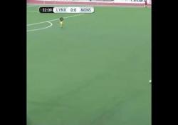 Gibilterra, l'autogol è da campione: tiro a effetto nella propria porta Brad Power ha trovato il gol perfetto, ma nella propria porta - Dalla Rete