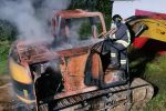 Cosenza, ancora fiamme in città: in fiamme un escavatore a San Nico di Corigliano
