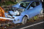 Messina, auto finisce contro un palo. A guidare un 20enne sanzionato per violazione del dpcm