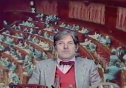 L'altra domenica, Mario Marenco nelle vesti dell'opinionista «Mister Ramengo» Il programma di grande successo andò in onda sulla Rete 2 dal 1976 al 1979 - Corriere Tv