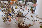 Lamezia, l'originale albero di Pasqua realizzato dall'artista Manuelita Iacopetta