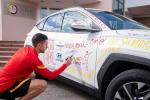 Le dichiarazioni d'amore per la Roma su Hyundai Tucson