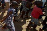 Mozambico, allarme di Save the Children: bambini decapitati dai miliziani