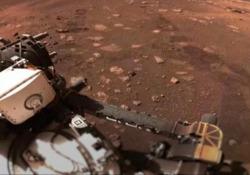 Nasa, il rover Perseverance si muove su Marte: ecco i primi 6,5 m in 33 minuti Il robot ha percorso 0,01 miglia all'ora per circa 6,5 metri in 33 minuti totali sul pianeta rosso - Ansa