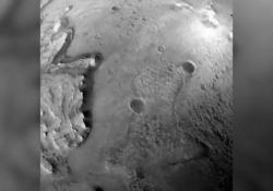 Nasa, Perseverance «racconta» il suo atterraggio su Marte: «Così, in tre minuti, ho scelto il punto più sicuro» L'agenzia spaziale ha condiviso le riprese del suolo marziano - Ansa