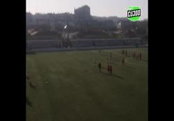 Portogallo, segna con una punizione da centrocampo La rete di Mariana Alberto, calciatrice dello Sport Futebol Damaiense, squadra del campionato femminile portoghese - Dalla Rete