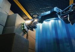 Può spostare fino a 800 scatole all'ora: ecco «Stretch», il robot magazziniere Il robot di sviluppato da Boston Dynamics svolge le funzioni di magazzino - CorriereTV