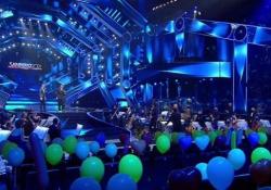 Sanremo, Fiorello e la platea di palloncini: «Abbiamo fatto una c...ta. Era meglio vuota, era più poetica» Lo showman: «Preferivo la sala senza nulla» - Ansa